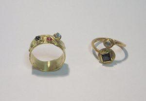 Zwei Ringe (Gold, Edelsteine)